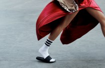 TRENDS & TIPS: The Face of Normcore – Slip On Sandals