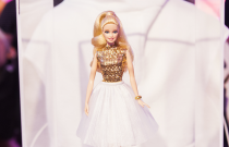 BARBIE AND CFDA : THE DESIGNERS DOLL UP